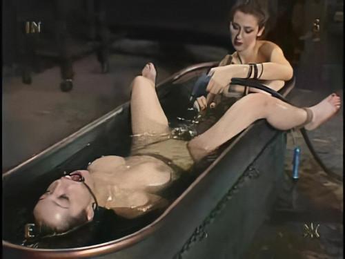 BDSM Insex - The Princess Strikes Back (Donna, 912)