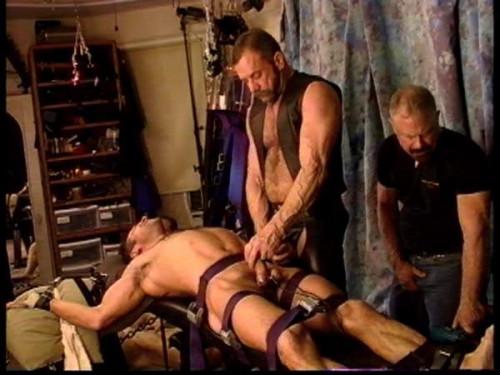 Gay BDSM Ballbusting Festival