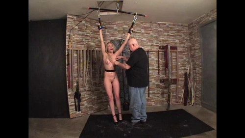 bdsm A Blonds Whipping Medoe