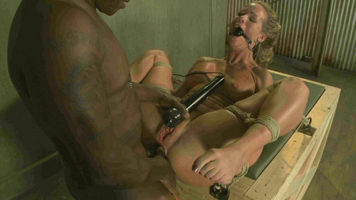 bdsm MILF is Brutally Ass Fucked - Jack Hammer, Simone Sonay