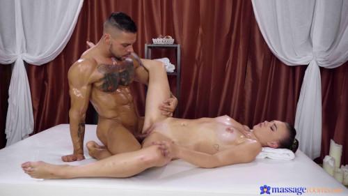 Keira Flow - Czech Teen Discovers Erotic Thrills FullHD 1080p
