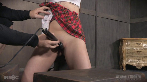 bdsm Nora Riley our local college girl, did a LIVE SHOW Complete Sexual Destruction ensued
