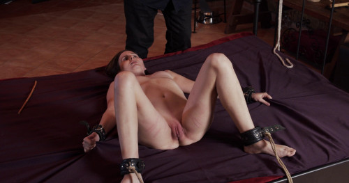 BDSM Hope - Slave of Throne Part 2 (2021)