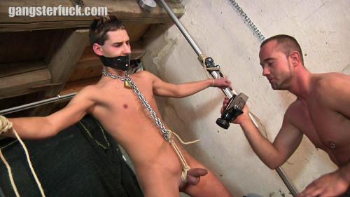 Gay BDSM Danny Moore