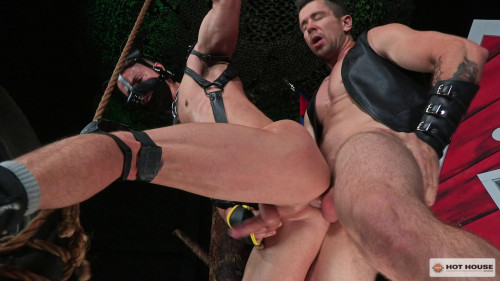 Gay BDSM hh - Skuff DogHouse: Trenton Ducati & Skyy Knox