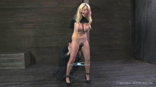 BDSM Courtney Taylor   Iron Bound