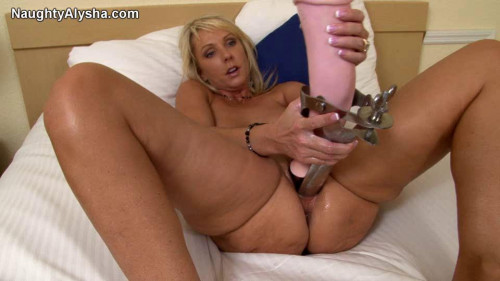 Fisting and Dildo A lover of fisting and promiscuous sex (2010-2011) Pack