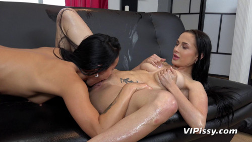 Lexi Dona and Nicol Love -Wet Best Friends