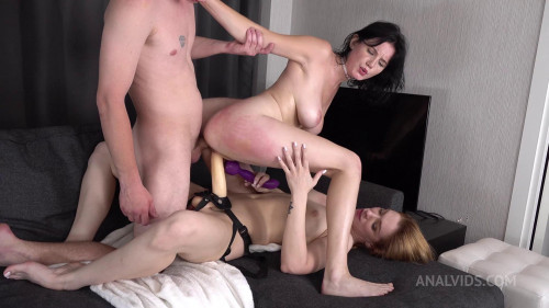 Queenlin Gets Fucked In All Holes At The Same Time
