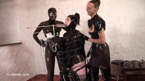 BDSM Latex Alterpic - Fundoshi with electrostim inside her