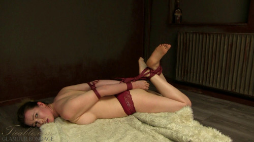 BDSM Nicky - hogtie test