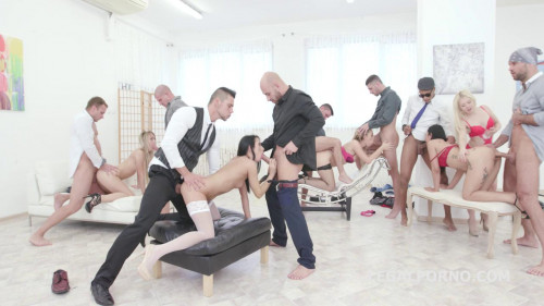 Perfect Xmas Gangbang With Double Anal