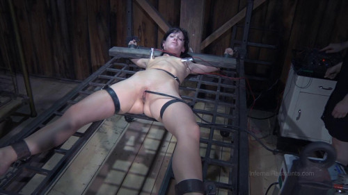 BDSM Orgasm from current