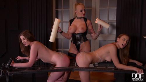 BDSM Latex Liona and Kayla Green