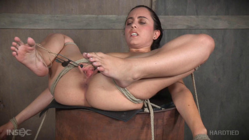 BDSM Bush Barrel - Roxanne Rae -HD 720p