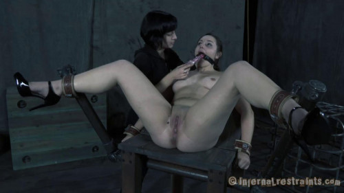 BDSM Sasha  Cuntstrained