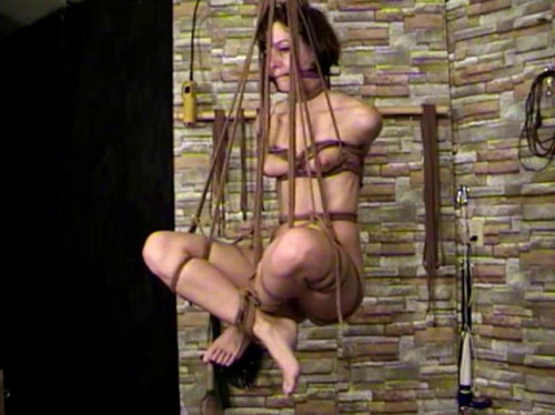bdsm TB - Elise Is Dungeon Slave Part 1