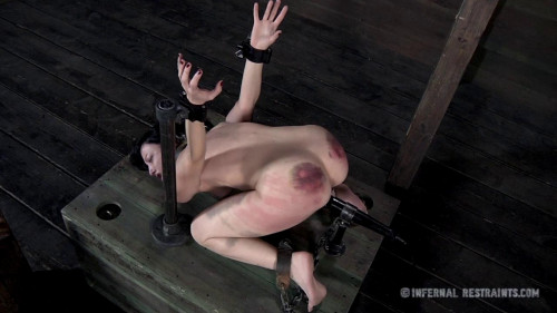 BDSM Queen of Pain Part 2