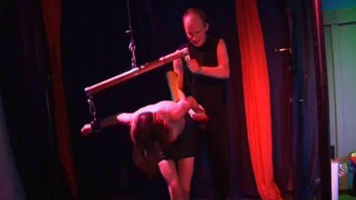 BDSM Burostuten Hart Bestraft (2007)