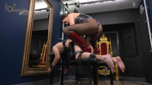 Femdom and Strapon Mistress Serena