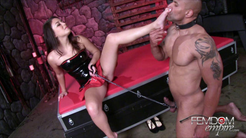 Femdom and Strapon Submissive Slave - Dfe