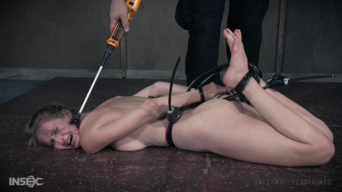 BDSM Ashley Lane Locked (2017)