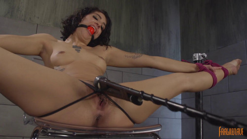 BDSM Bendy Bianca In Bondage And Cumming