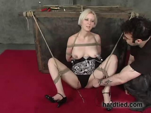 BDSM Infernal Restraints 2007 Pack1
