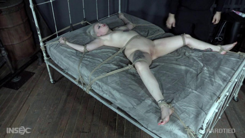 BDSM Arielle spends a day tied to her bed!