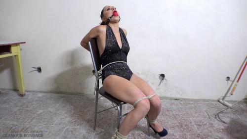 BDSM Azoe - chair escape challenge