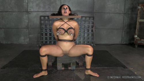 BDSM Pampered Penny Learns A Thing Or Two About Who Is In Charge
