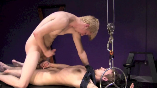 Gay BDSM Kinky Curiosity