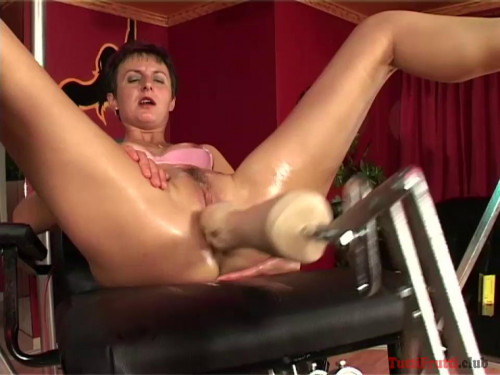 Sex Machines Ildiko hard anal fuck with a sexmachine