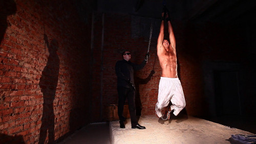 Gay BDSM Prisoner Dmitriy 1
