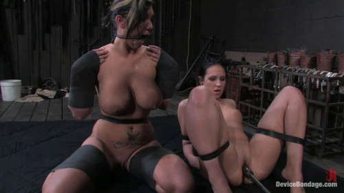 bdsm Claire Dames and Alexa Jordan