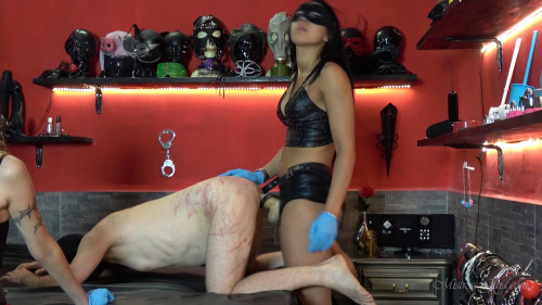 Femdom and Strapon To withstand any load
