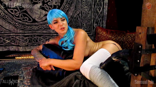 Fisting and Dildo Abigail Dupree - 3 Hole Horsey