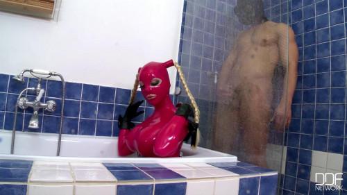 BDSM Latex Latex in the Tub
