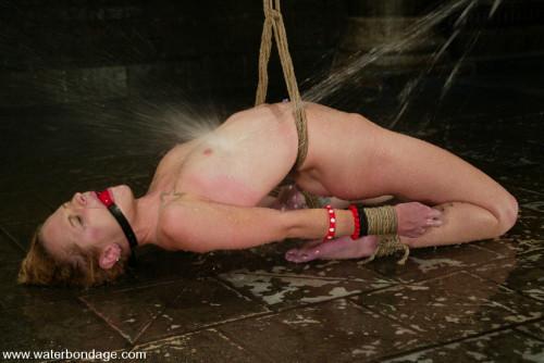 BDSM Faye Runaway