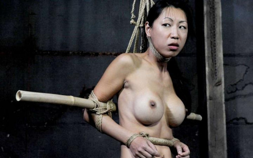bdsm Master A uses her pussy to refine her skills