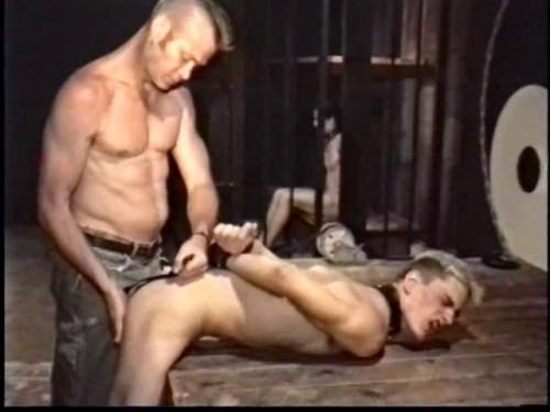Gay BDSM Tested In Bondage