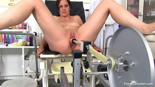 Sex Machines Alicia (27 years girls gyno exam)