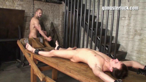 Gay BDSM Patrick Ridge