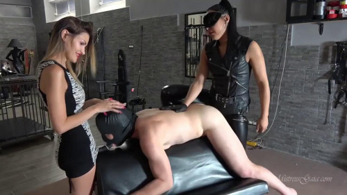 Femdom and Strapon Mistress Gaia Choked Ass Fucked