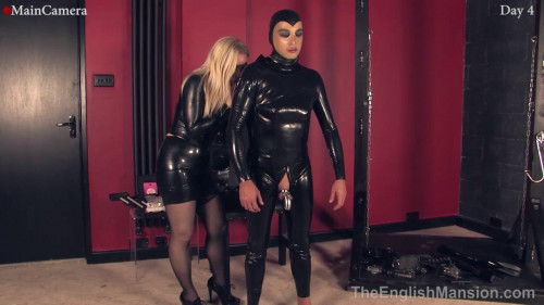 Femdom and Strapon The head sticking out of the basement and licked my feet