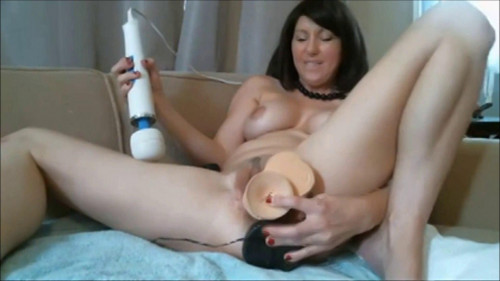 Fisting and Dildo Dildo in the pussy