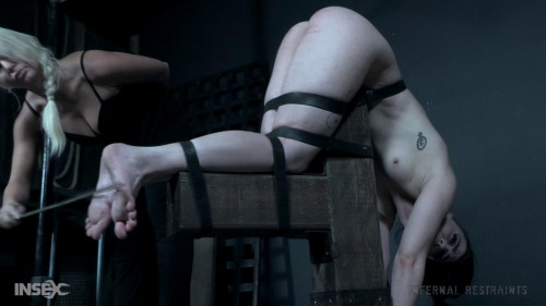 BDSM Lydia Black dominated by expert trainer London River