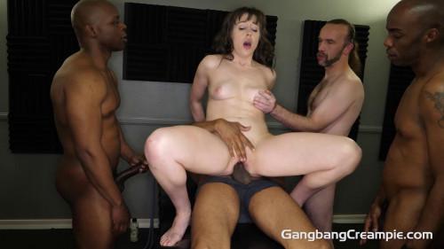 Hot Milf Jenna Noelle Gets First Creampie Orgy