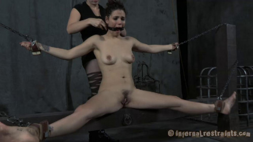 bdsm IR - Jan 13, 2012 - Restless - Zayda J