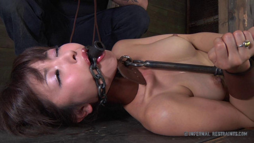 BDSM Marica's Pole - Marica Hase